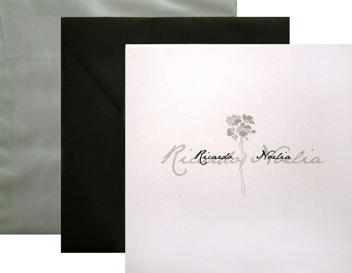 Invitación Flor Nouveau gris