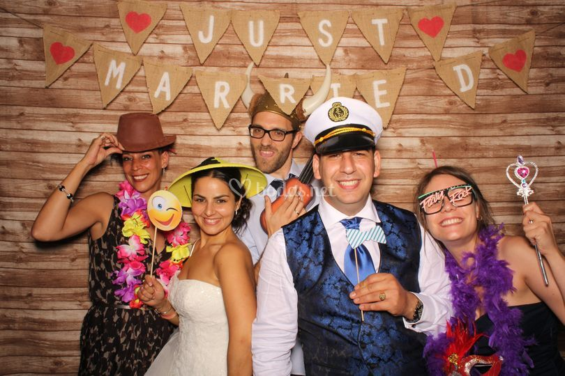 Photocall Madera Just married
