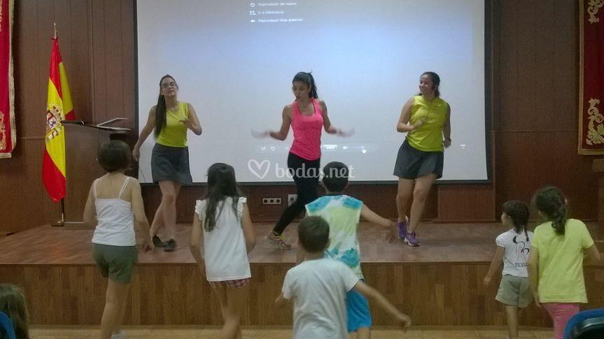 Karaoke y coreografías