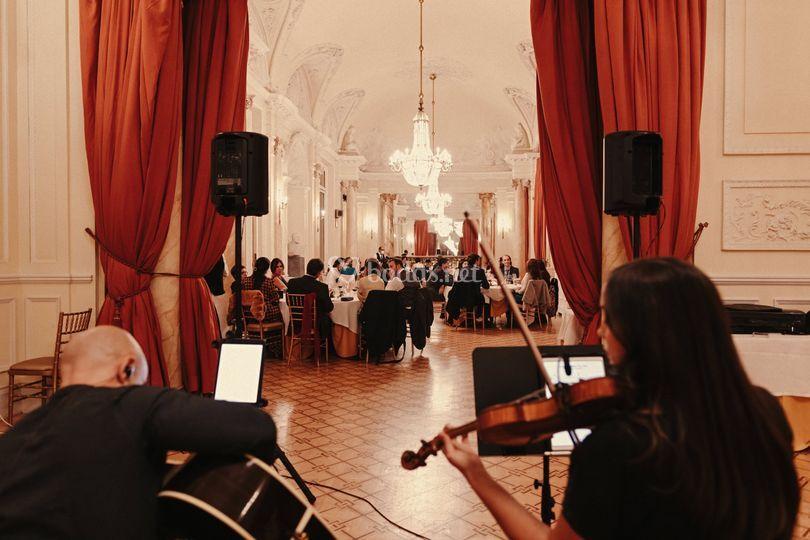 Violín y guitarra cena boda