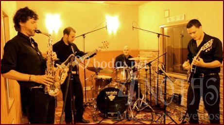 4 NOTAS - Banda de Jazz
