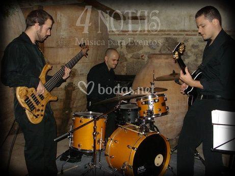 4 NOTAS - Trío de Jazz