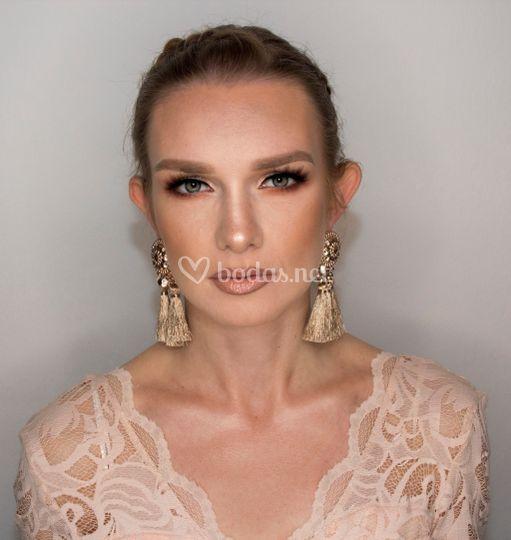 Maquillaje glam de invitada