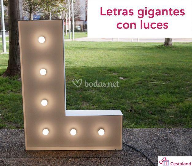 Letras con luces para bodas