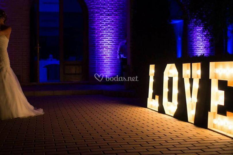 Love madera luz