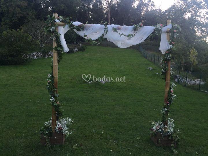 Arco de ceremonia floral