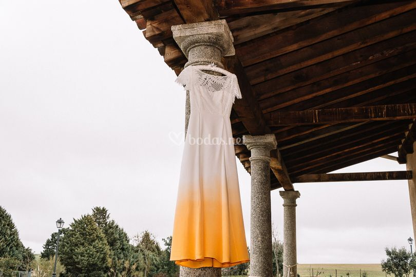 Vestido novia boda naranja