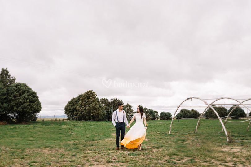 Novios boda naranja