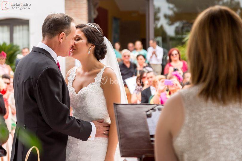 Ahora puede besar a la novia