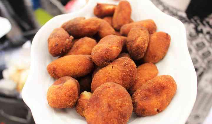 Croquetas de mango y curry