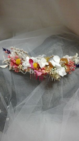 Peineta con flores liofilizada