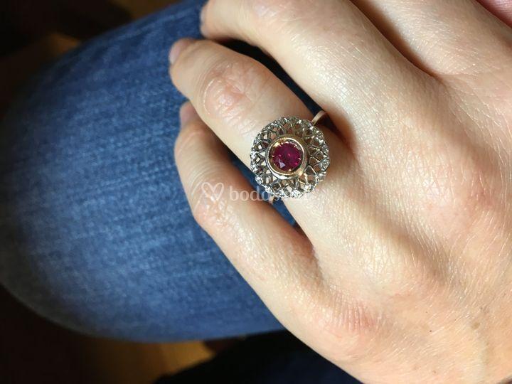 Sortija rubí y diamantes