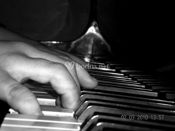 Manos al piano