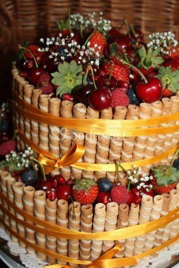 Tarta con fruta fresca