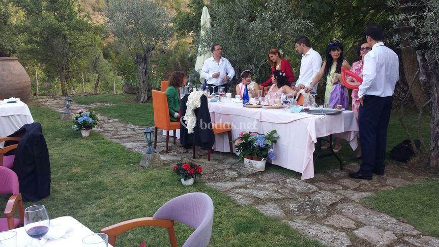 Mesa en el jardin