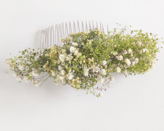 Peineta natural de flores secas