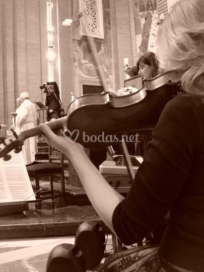 Soprano solista, violín y organo