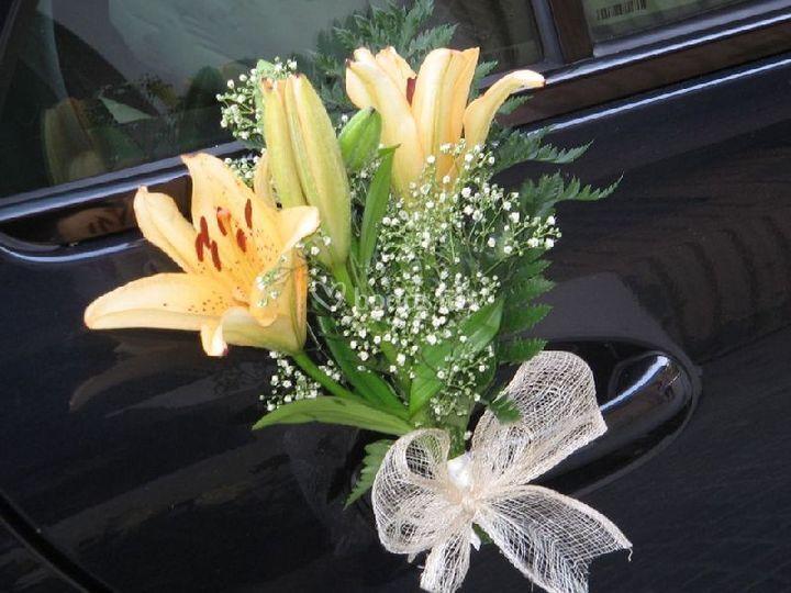 Decoración coche de bodas de Flores Nati