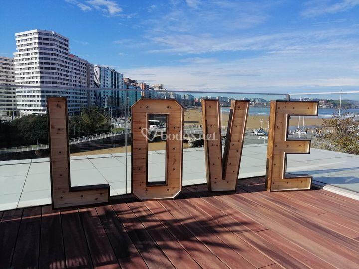 Love de madera