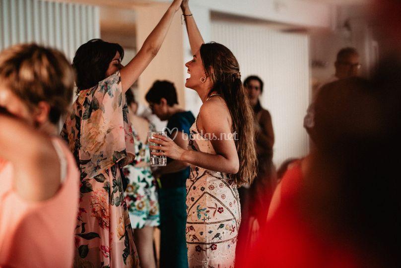 Baile entre amigas
