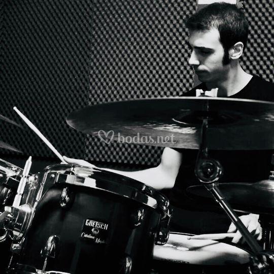 Bruno, batería.