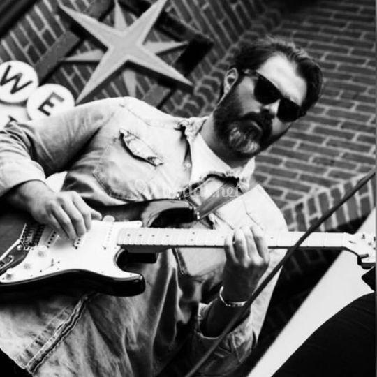 Hugo, guitarra