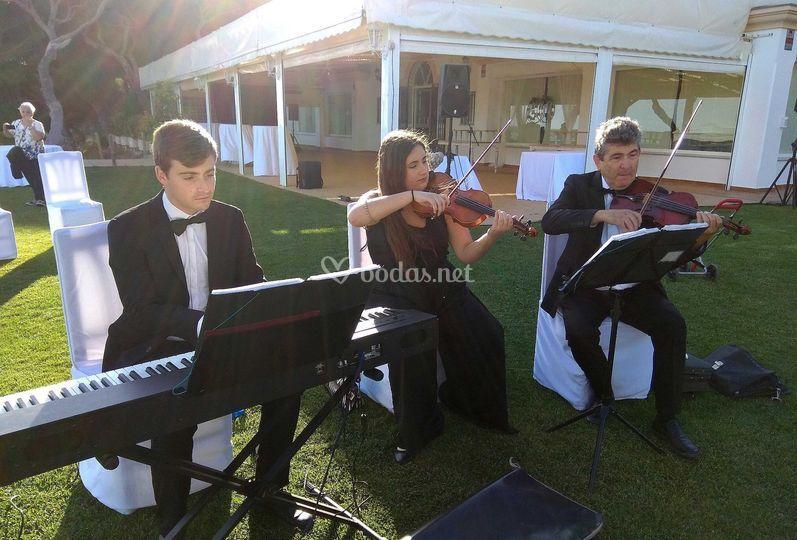 Trío dos violines y piano