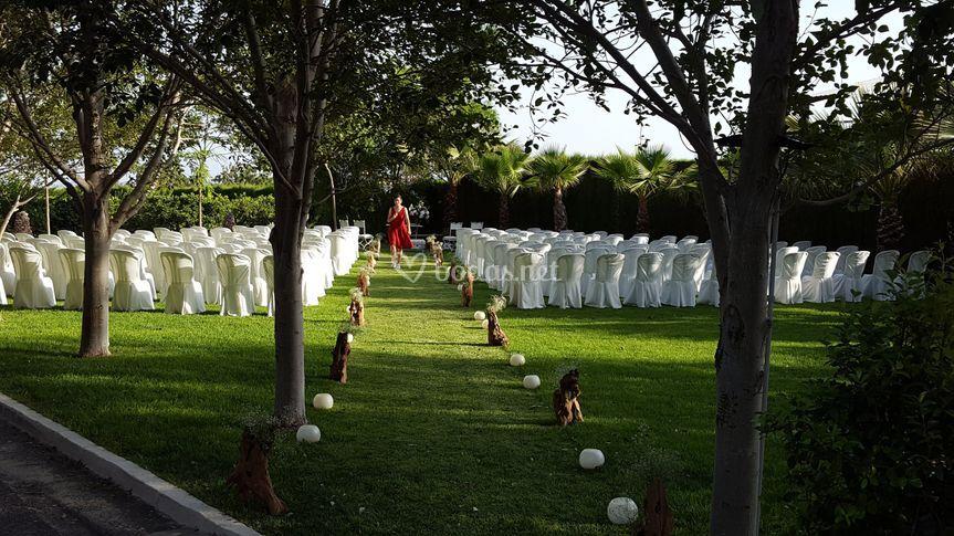 Ceremonia civil de finca jurosa jard n bot nico for Bodas en el jardin botanico