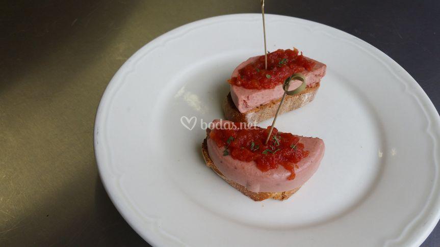 Paté con tomate dulce