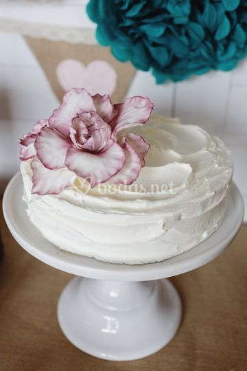 Tarta con flor