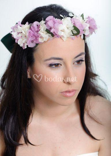 Novia floral en tonos lilas