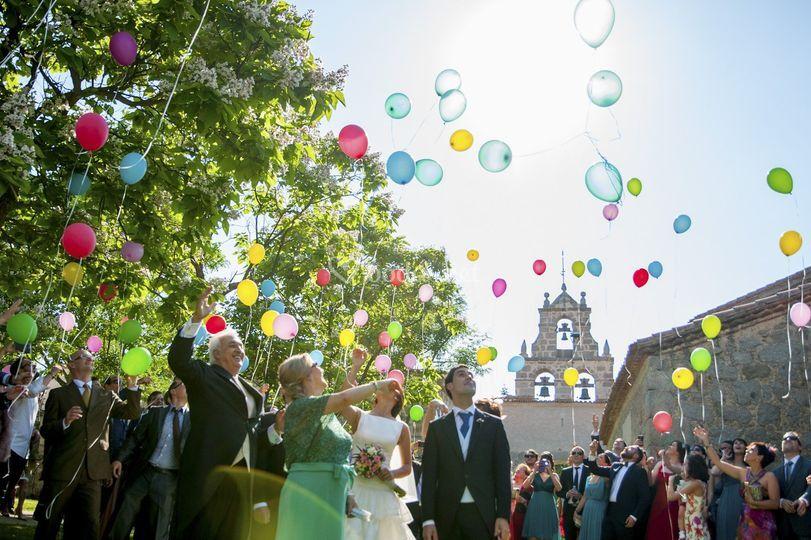 Suelta de globos para bodas.