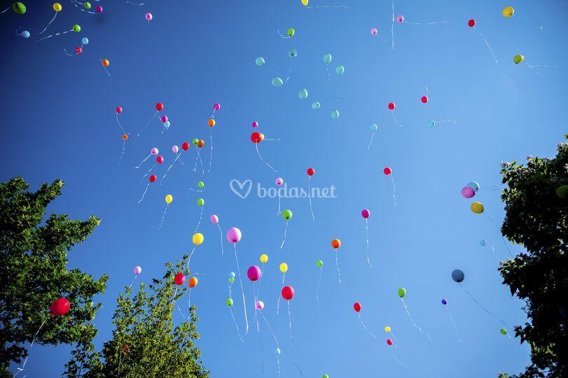 Suelta de globos para eventos.