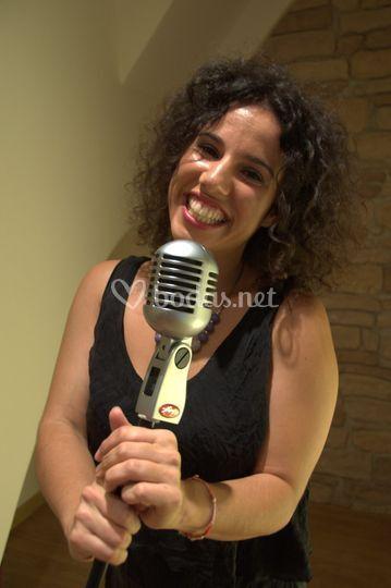 Sandra Cooper, voz