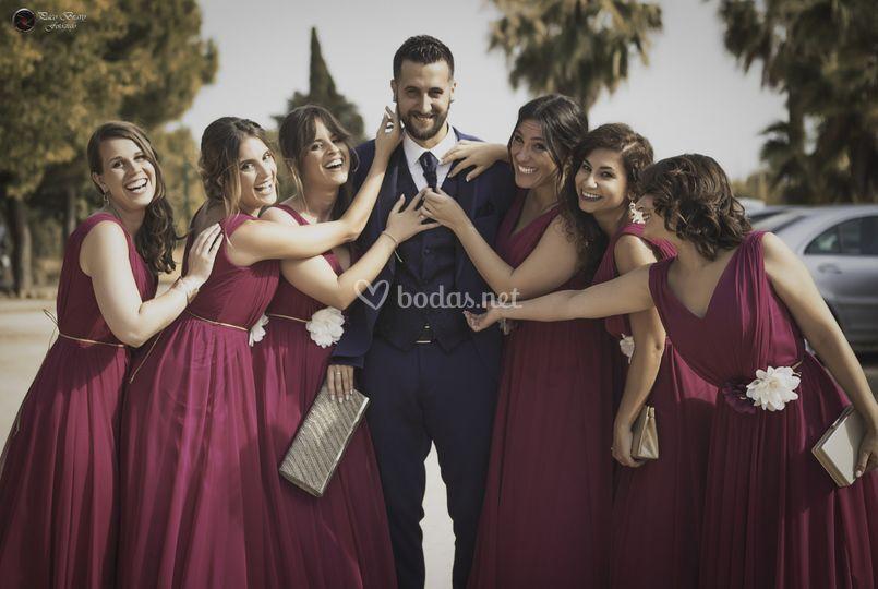 Las damas con el novio