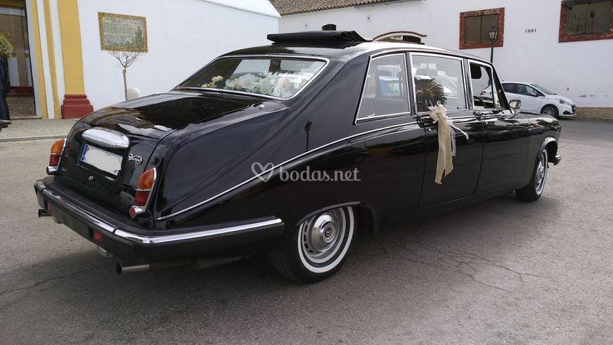 Daimler Jaguar DS420 lim. tech