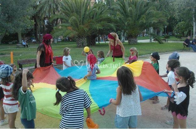 Juegos Al Aire Libre De Grupo Luna Foto 2