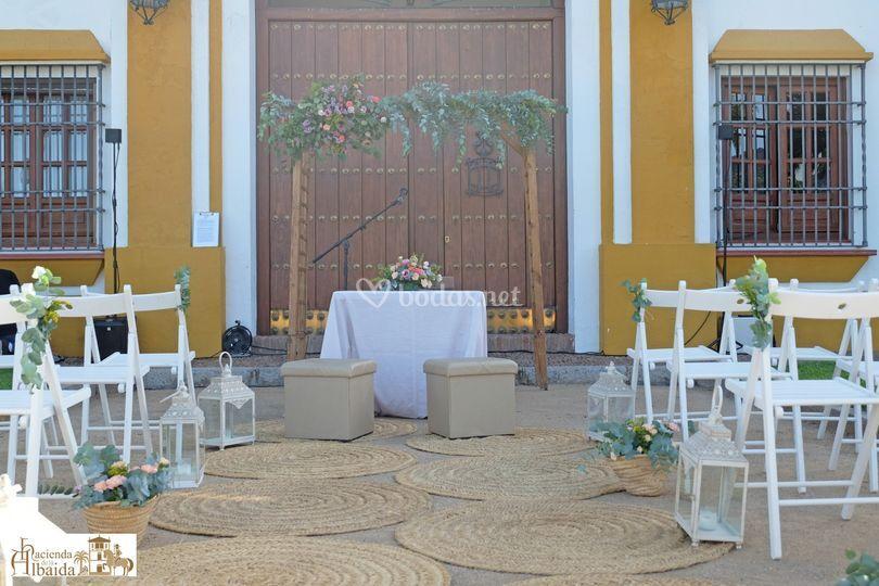 Altar ceremonia jardín