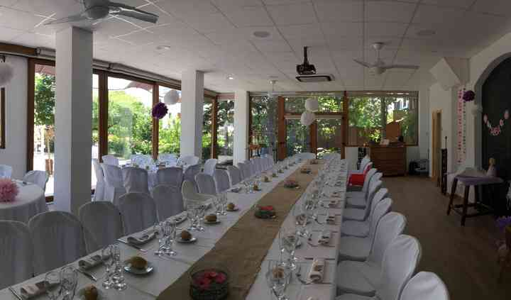 Sala con mesa imperial