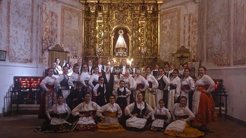 Coro y grupo de baile Ermita