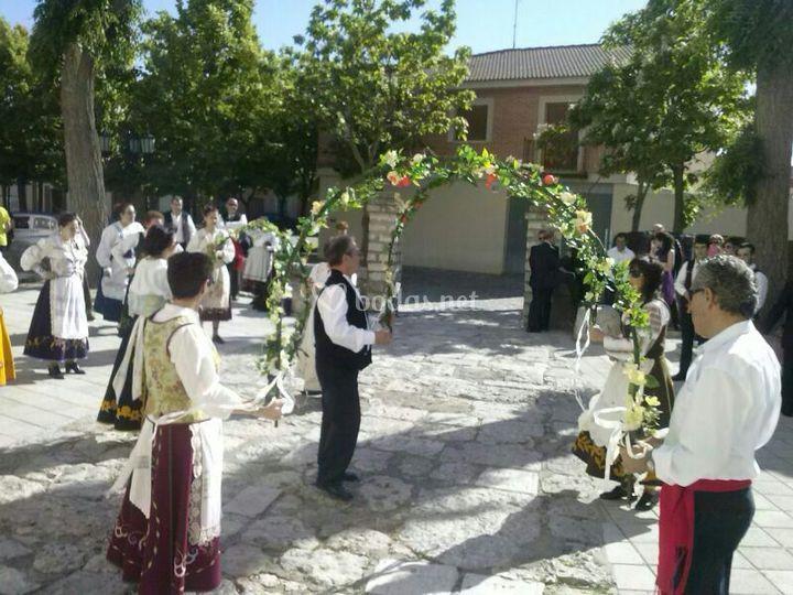 Grupo de danzas La Ermita