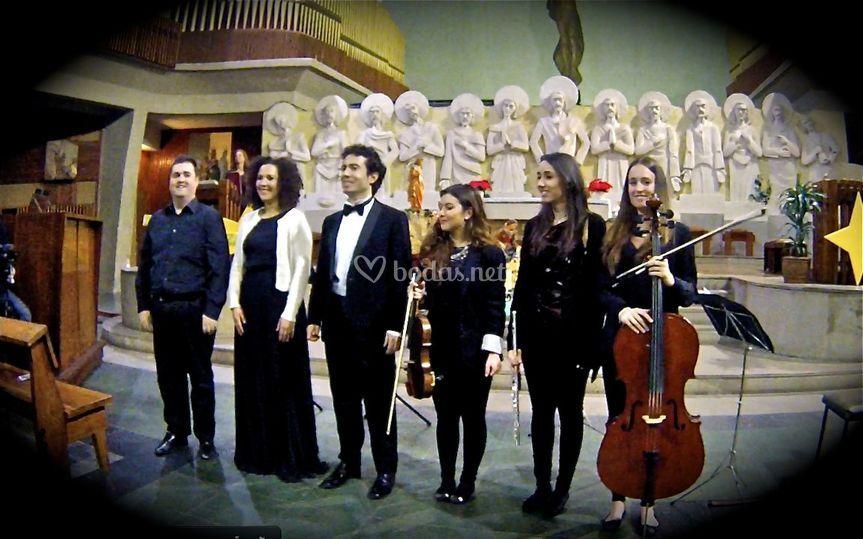 Cantantes y orquesta