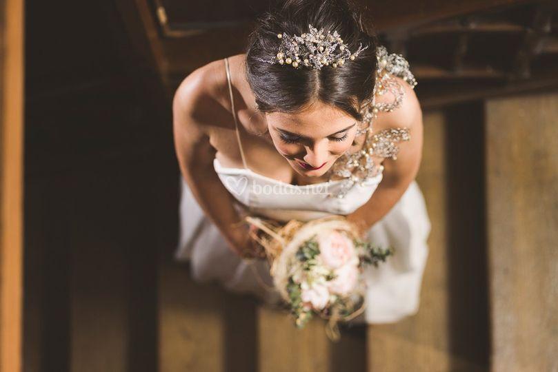 Diadema tiara perlas y acero
