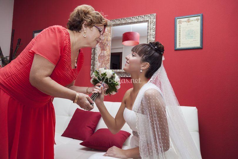 Con la madre de la novia