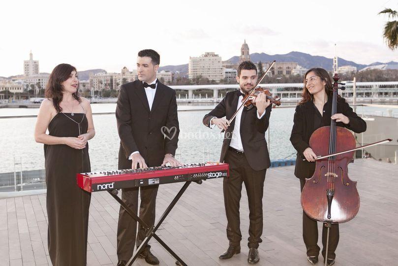 Cuarteto: voz, violín, y chelo
