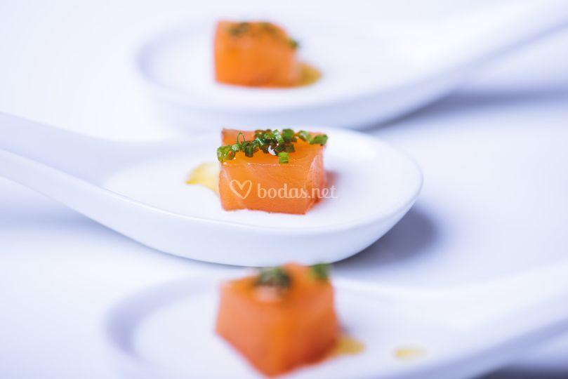 Taco de salmón marinado
