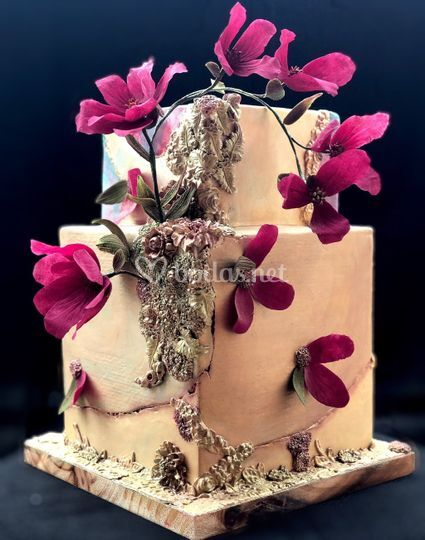 Tarta de boda bajo relieve