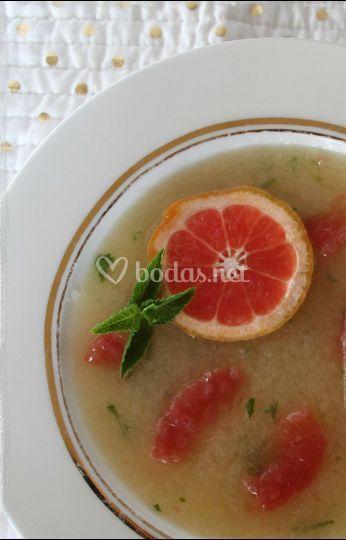 Sopa fría de melón y menta