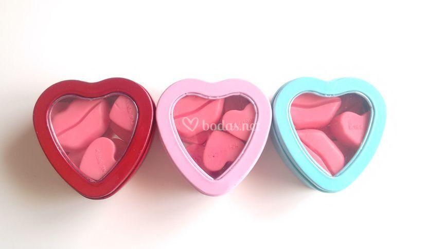 Cajita con corazones y besos