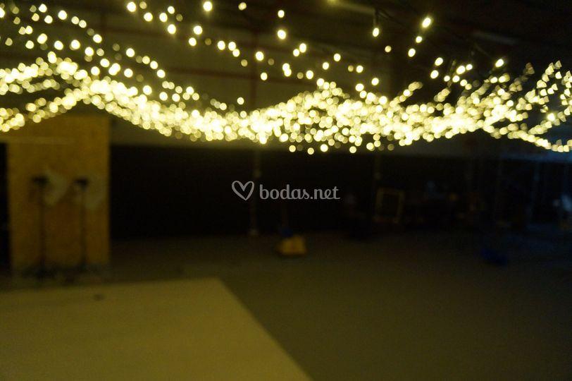 Iluminación led boda en nave